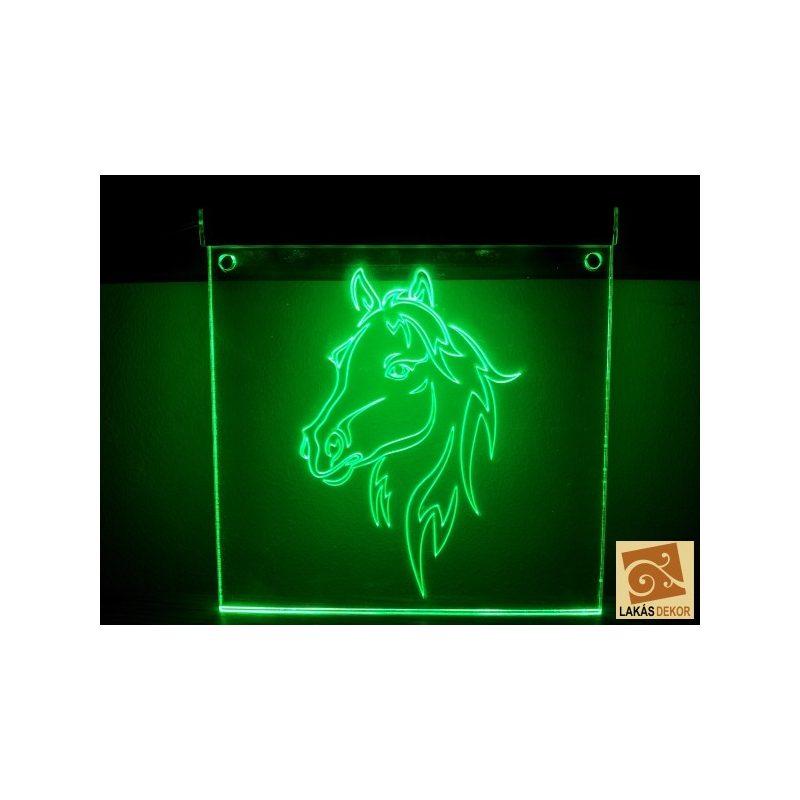 LED tábla lovas