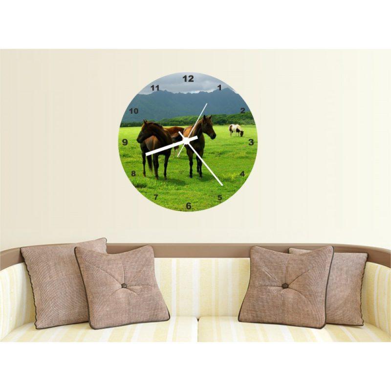 Fényképes falióra lovas