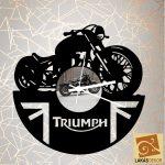 Triumph óra