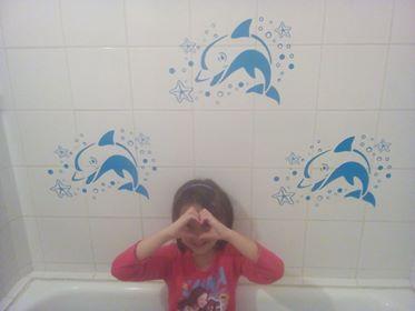 Fürdőszobai díszítés delfinekkel